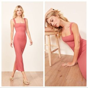 Reformation Donna Dress in Dusty Rose S H3